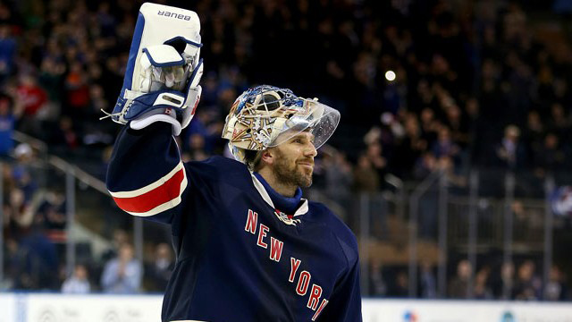 Henrik-Lundqvist-waves-to-MSG-640x427